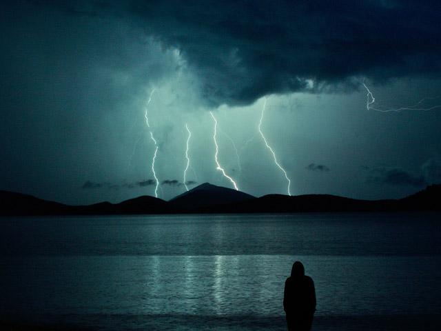burza na otwartym terenie